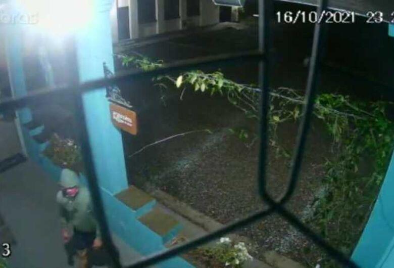 (Vídeo) Polícia Civil tenta identificar autor de tentativa de furto em Schroeder