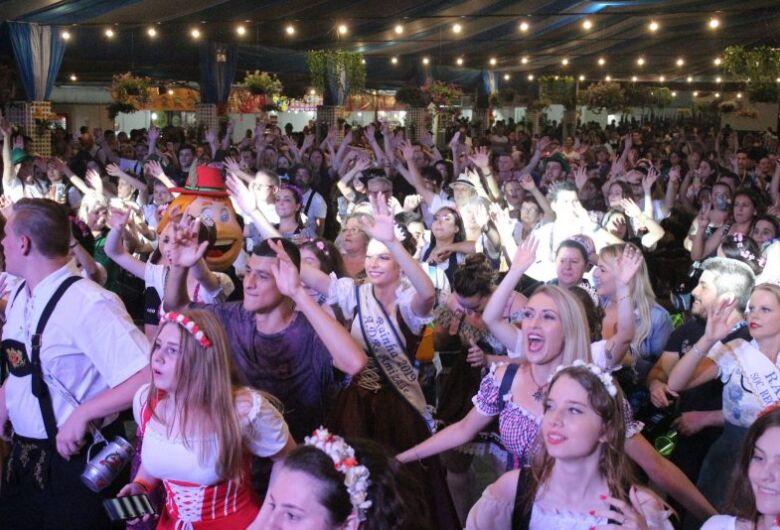 Le danze vengono rilasciate a Jaragua do Sul