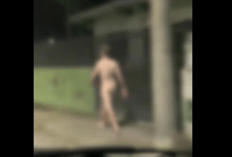 (Vídeo)'Peladão' é preso após agredir policiais e quebrar viatura em SC