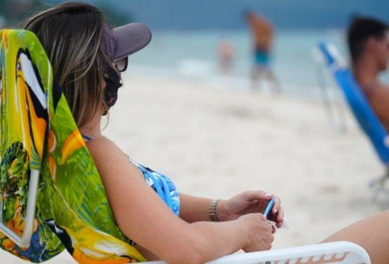 Liberação do uso de máscaras deve iniciar por parques, praças e praias em SC