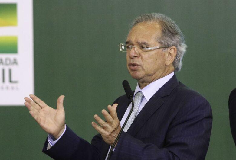 Ministro diz que privatização da Petrobras ampliaria investimentos
