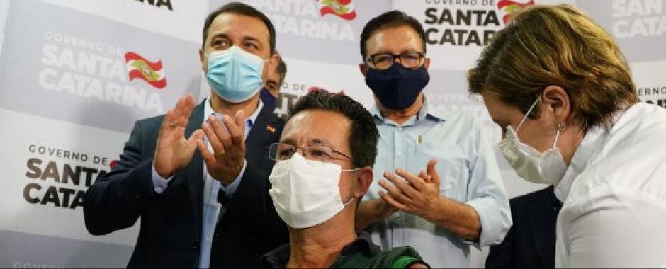 Santa Catarina inicia a vacinação contra a Covid