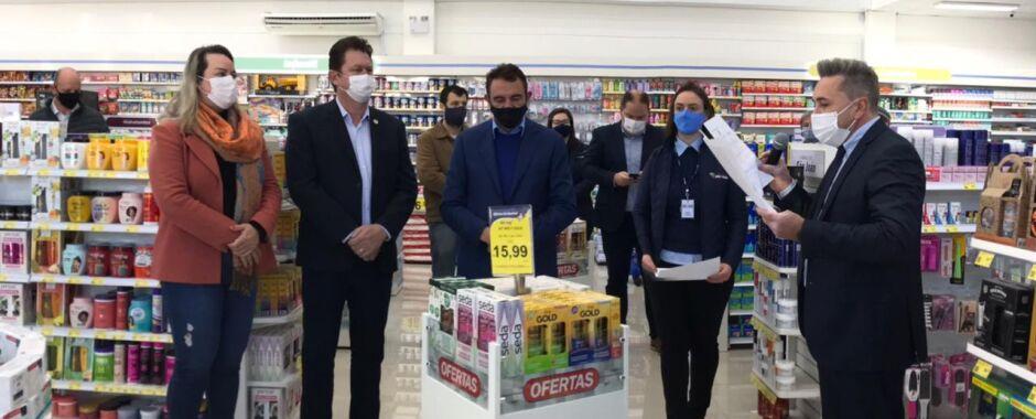 Jaraguá ganha duas filiais da Rede de Farmácias São João