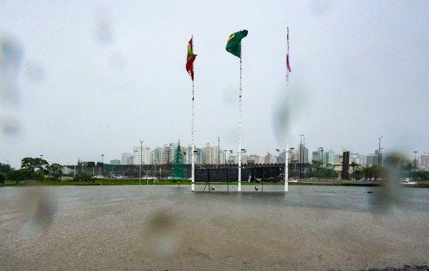 Florianópolis registrou grande número de alagamentos no domingo - Crédito: Ricardo Wolffenbuttel/Secom