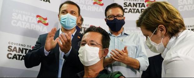 Santa Catarina inicia a vacinação contra a Covid -