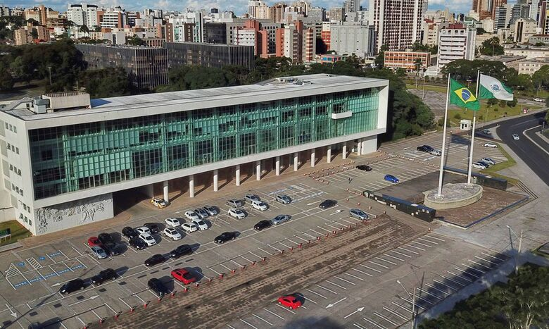 fachada_de_predio_no_estado_do_parana -