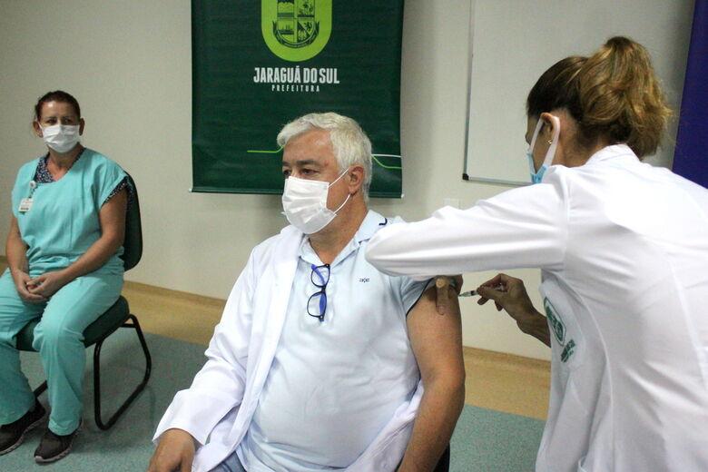 Jaraguá do Sul inicia a vacinação contra a Covid-19 - Crédito: Divulgação Prefeitura de Jaraguá