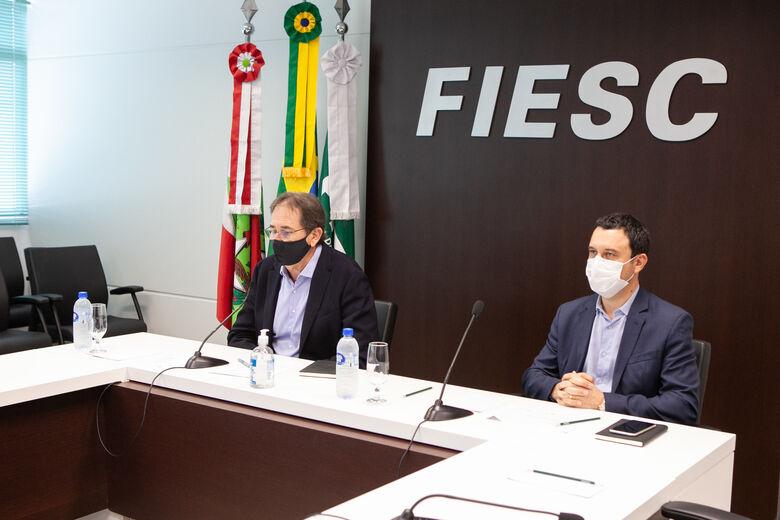 Mario Aguiar (e) e Fabrizio Machado Pereira conduziram a reunião on-line do conselho de governança  - Crédito: Filipe Scotti
