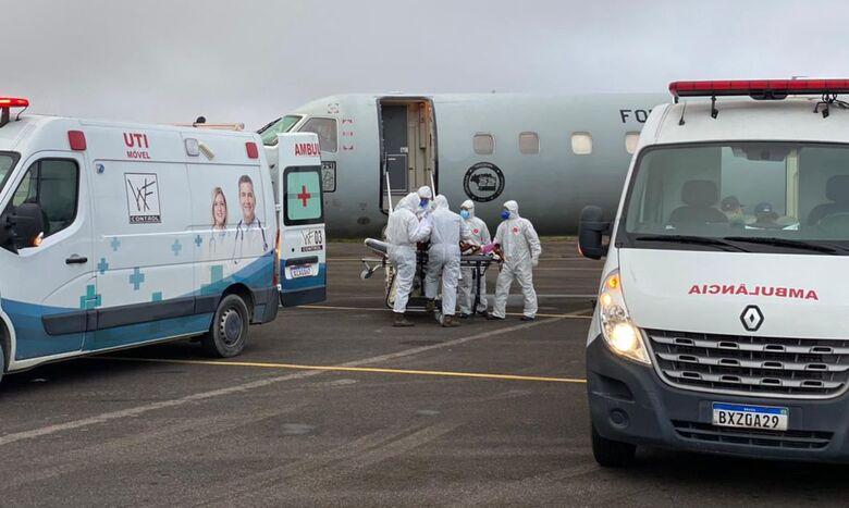 Manaus vai transferir 235 pacientes com covid-19 para 7 estados e DF - Crédito: Divulgação Força Aérea Brasileira