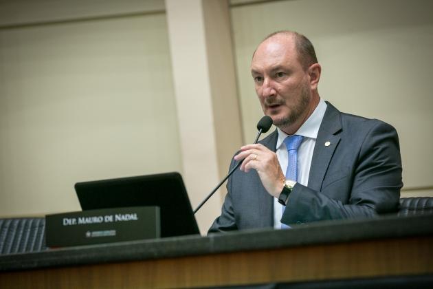 Deputado Mauro de Nadal, do MDB, é eleito presidente da Alesc  -