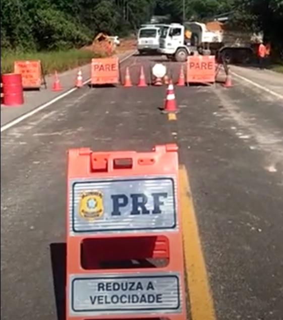 Seguem as obras de recuperação da BR 280, em Mafra  - Crédito: Rádio Jaraguá
