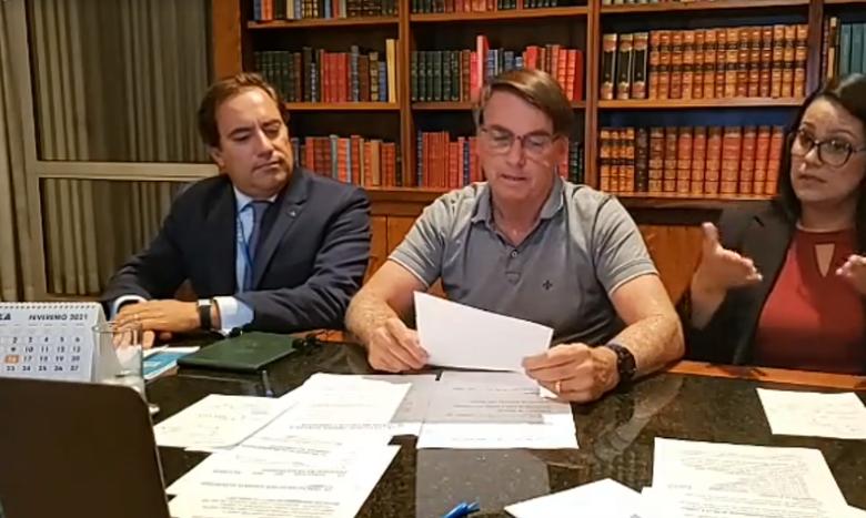 Bolsonaro: auxílio deve voltar em março, com parcelas de R$ 250 - Crédito: Reprodução Facebook