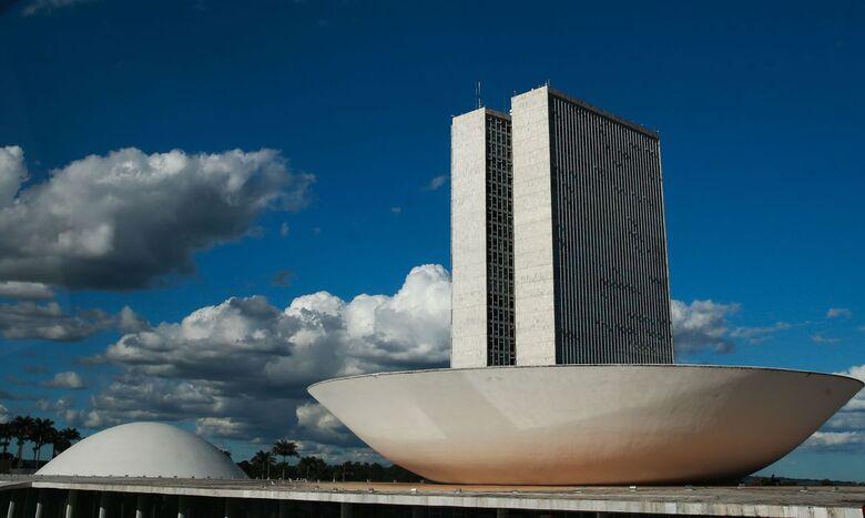 Congresso volta ao trabalho com pautas urgentes na mesa - Crédito: Marcello Casal / Agência Brasil