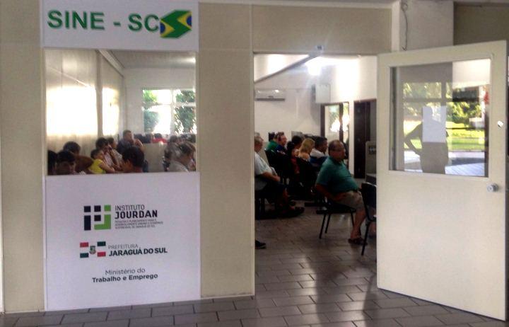 Confira as vagas de emprego disponíveis para Jaraguá - Crédito: Arquivo / Divulgação Prefeitura