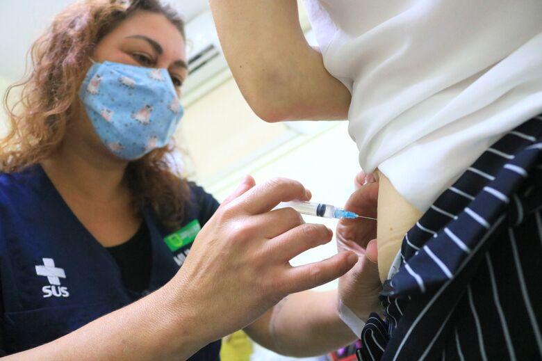 Jaraguá segue imunizando profissionais da saúde contra covid-19 - Crédito: Divulgação Prefeitura de Jaraguá