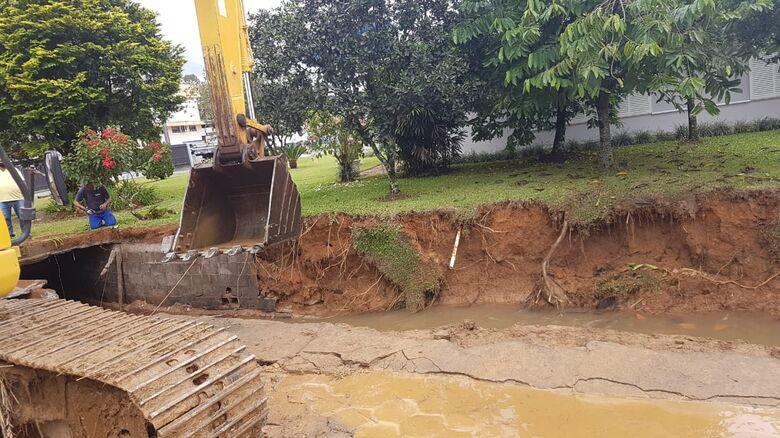 Defesa Civil registra deslizamentos de terra em Guaramirim  - Crédito: Divulgação /Prefeitura de Guaramirim