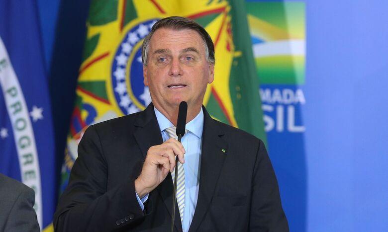 Bolsonaro zera PIS e Cofins do diesel e do gás de cozinha - Crédito: Fabio Rodrigues Pozzebom / Agência Brasil