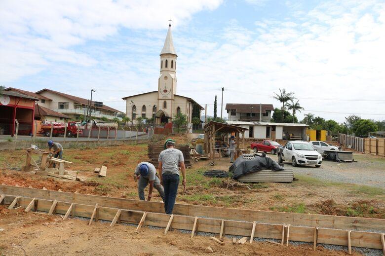 Inicia construção do novo posto de Saúde da Barra do Rio Cerro  -