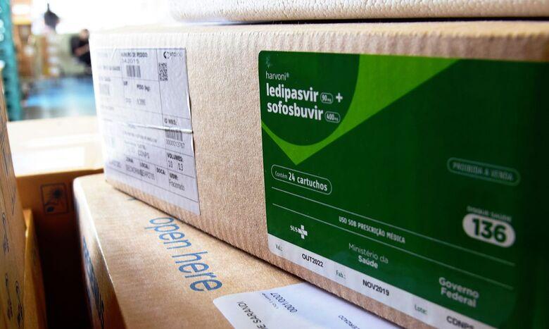Brasil recebe 2,3 milhões de kits de intubação vindos da China - Crédito: Américo Antonio / Sesa