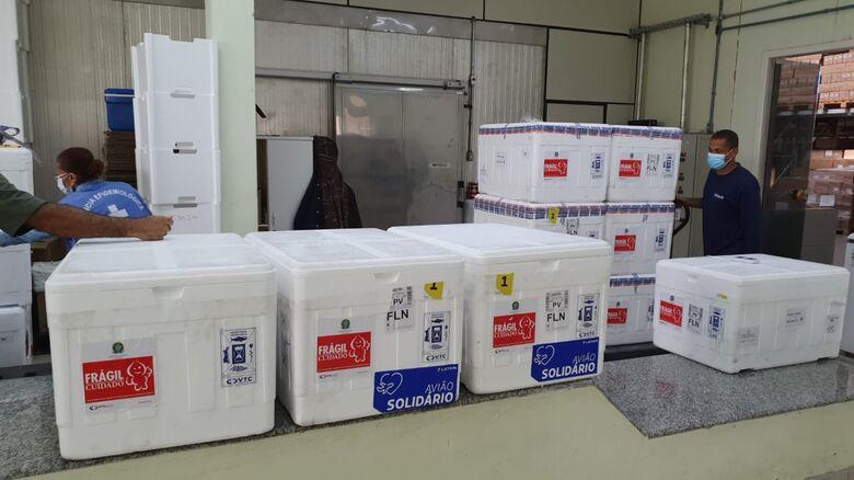 SC recebe novo lote com 129.750 doses da vacina contra Covid-19  - Crédito: Núcleo de Comunicação Dive/SC