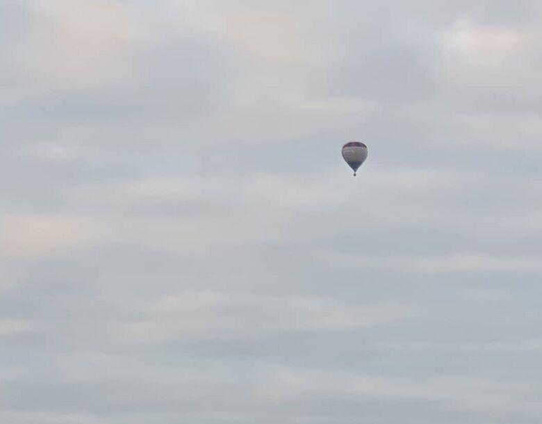 Balão chama a atenção de moradores de Jaraguá do Sul   - Crédito: Divulgação