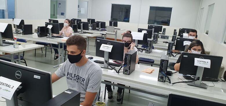 Estudantes de medicina da Estácio auxiliam no monitoramento de pacientes com COVID-19 em Jaraguá - Crédito: Divulgação