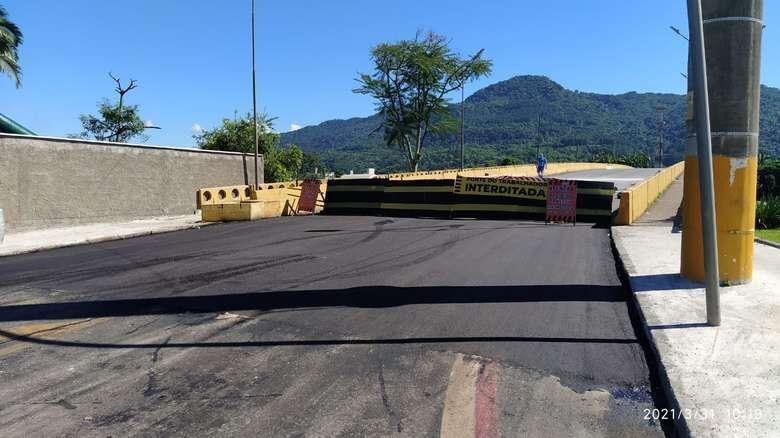 Ponte do Trabalhador segue interditada nesta segunda-feira, em Jaraguá - Crédito: Arquivo / Divulgação
