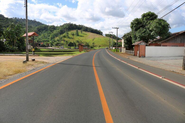 Concluídas pavimentações em mais duas ruas de Jaraguá  - Crédito: Divulgação / PMJS