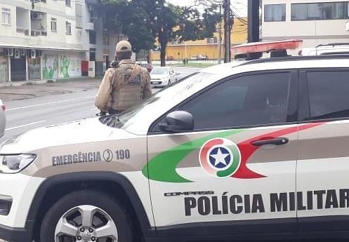 Homem é preso por pichar quadra e arquibancada da Via Verde em Jaraguá  - Crédito: Arquivo / Divulgação