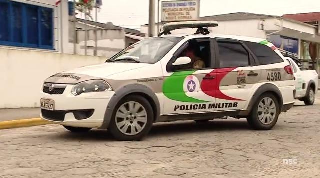 Foragido é preso após denúncia de tráfico de drogas em Jaraguá  -