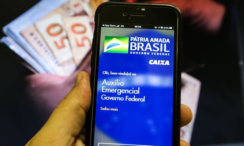 Trabalhadores nascidos em outubro podem sacar auxílio emergencial - Crédito: Marcello Casal Junior  / Agência Brasil