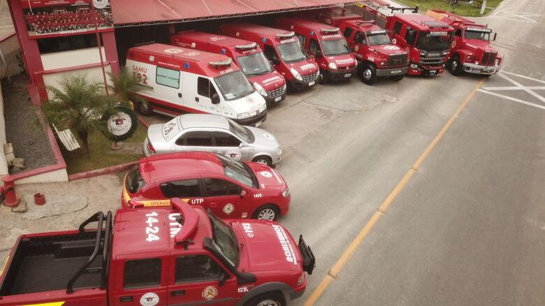 Colisão  entre moto e caminhão deixa homem ferido em Guaramirim  - Crédito: Foto Divulgação