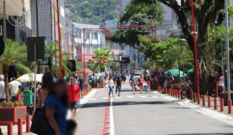 Lojas de Jaraguá ficam abertas até 17h neste sábado - Crédito: Arquivo / Divulgação