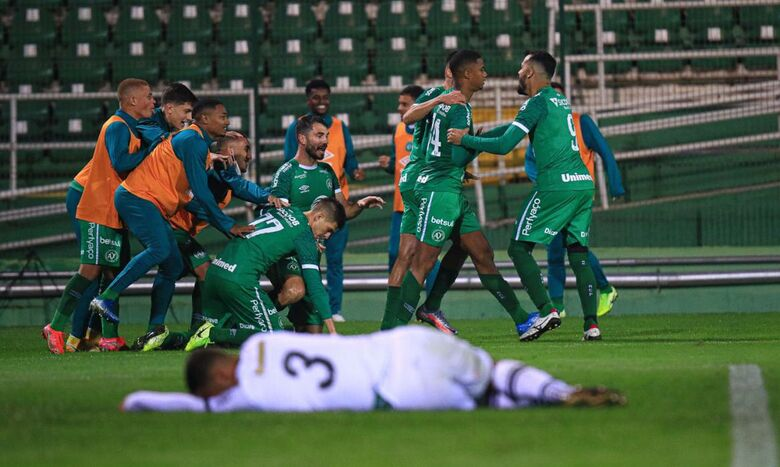 Chapecoense supera Figueirense e se classifica no Catarinense - Crédito: Márcio Cunha /ACF