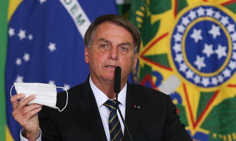 Bolsonaro pede parecer para desobrigar uso de máscara por vacinados - Crédito: Fábio Rodriguez Pozzebom / Agência Brasil