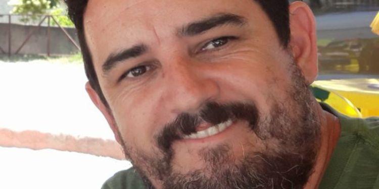 Engenheiro jaraguaense morre  após parada cardíaca em campo de futebol  -