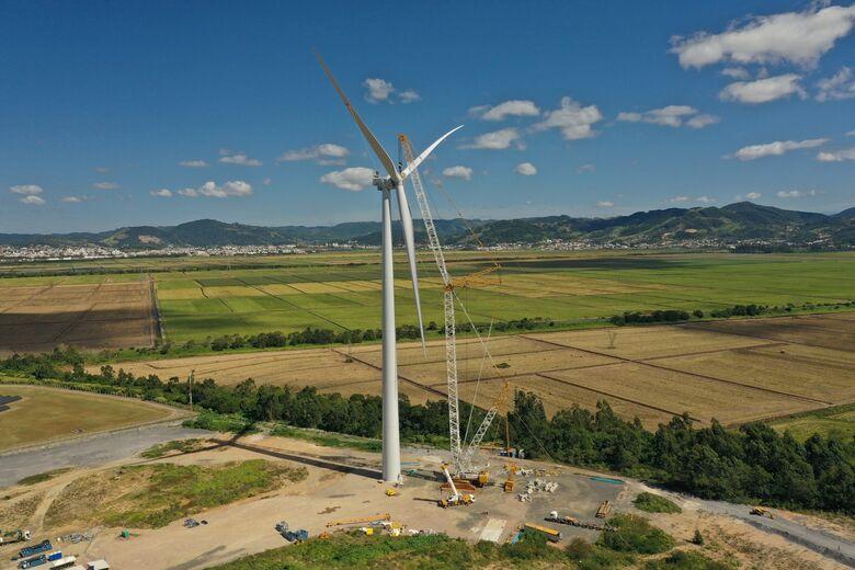 WEG e Engie Brasil Energia, concluem instalação do primeiro aerogerador nacional - Crédito: Divulgação
