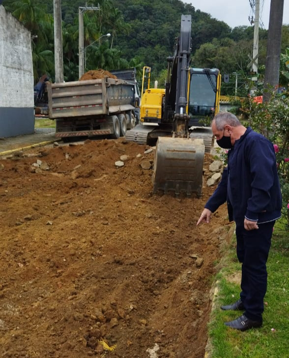 """Começam as obras de recuperação dos acessos a """"ponte baixa"""", em Corupá - Crédito: Divulgação"""