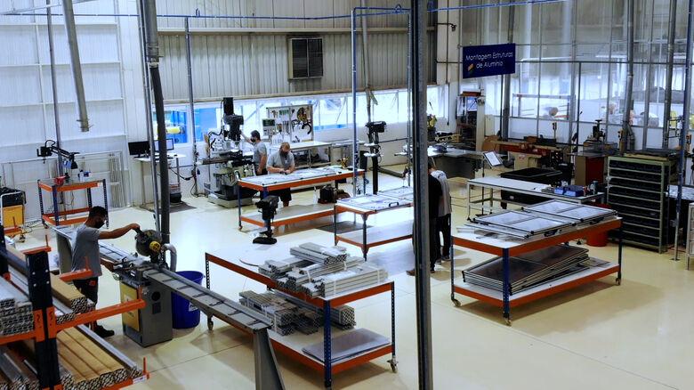 Perfil de alumínio garante resistência mecânica, versatilidade e segurança - Crédito: Divulgação