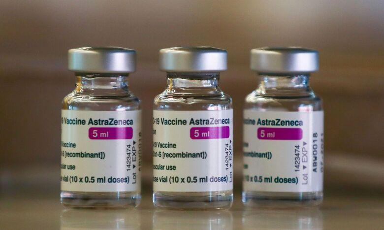 Anvisa autoriza análise da eficácia de dose de reforço da AstraZeneca - Crédito: Sérgio Perez / Reuters