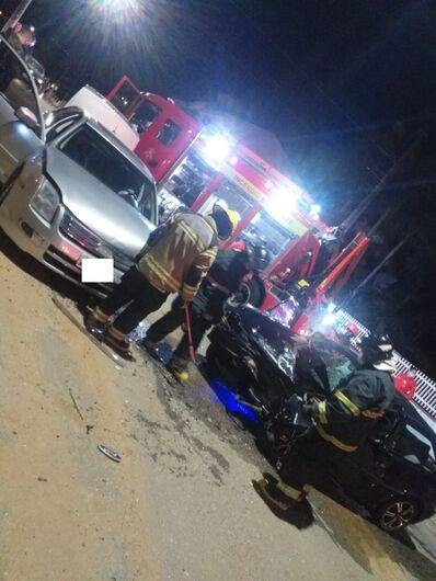 Acidente entre carros é registrado na Ilha da Figueira - Crédito: Arquivo / Divulgação