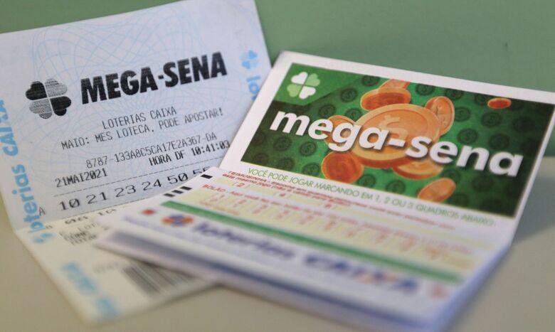 Mega-Sena acumula e pode pagar prêmio de R$ 12 milhões na quarta-feira - Crédito: Tânia Rêgo  / Agência Brasil
