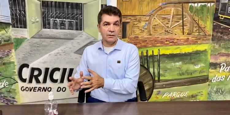 MP vai investigar prefeito que exonerou professor 'por viadagem' em SC - Crédito: Divulgação