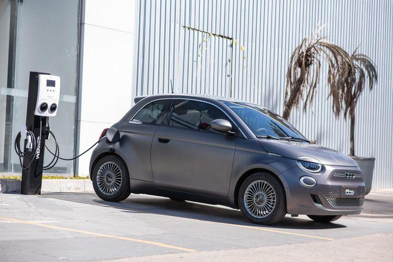 WEG é a nova fornecedora de Estações de Recarga para veículo elétrico da FIAT - Crédito: Divulgação