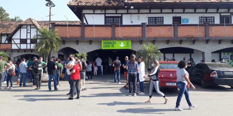 Central de Vacinas Covid de Jaraguá fechada neste domingo  - Crédito: Gustavo Luzzani