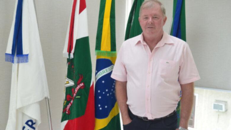 Prefeito de Schroeder deve ir a Brasília em busca de recursos, em setembro - Crédito: Arquivo / Divulgação