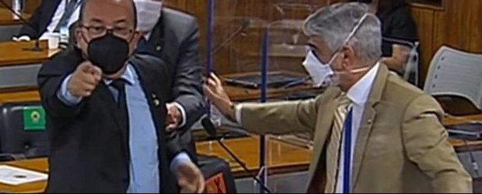 [Vídeo] Renan Calheiros e Jorginho Mello batem boca e trocam xingamentos na CPI - Crédito: Arquivo / Divulgação