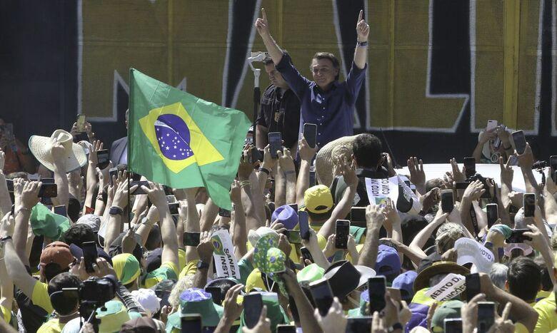 Presidente Bolsonaro participa de manifestação pró-governo em Brasília - Crédito: Fabio Rodrigues Pozzebom