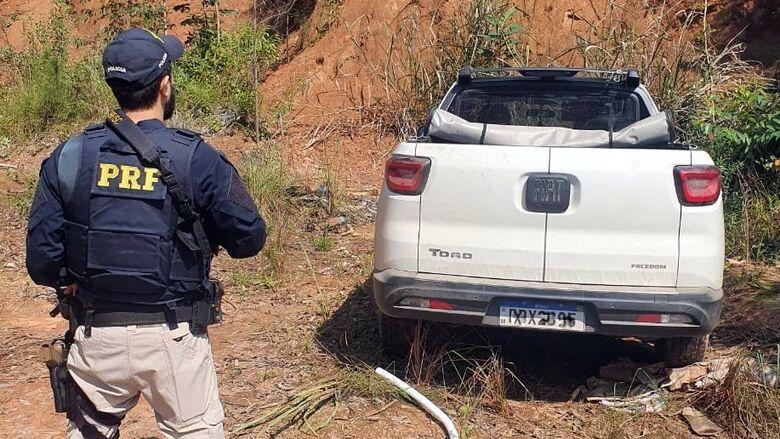 Picape roubada em Barra Velha é localizada na BR 101 em Piçarras - Crédito: Divulgação/PRF