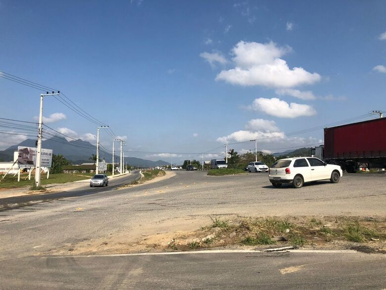 Acesso da BR-280 aos bairros Avaí e Guaramiranga será fechado para obras do elevado - Crédito: Ricardo Rabuske